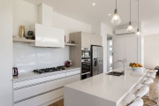 Galley kitchen - scandi
