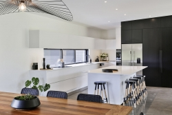 White mixed with black cabinets
