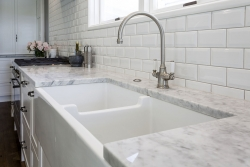 White butlers sink with granite benchtop