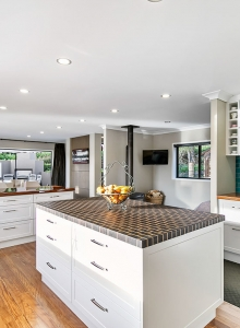 Chequered timber benchtop
