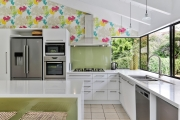 Coloured splashback adds personality