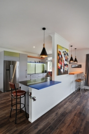 Kitchen with bold colours