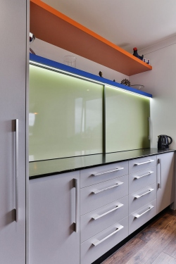 On-bench sliding doors