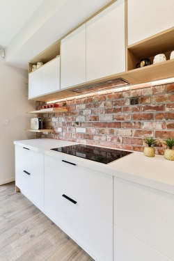 Scandi style kitchen - white and brick