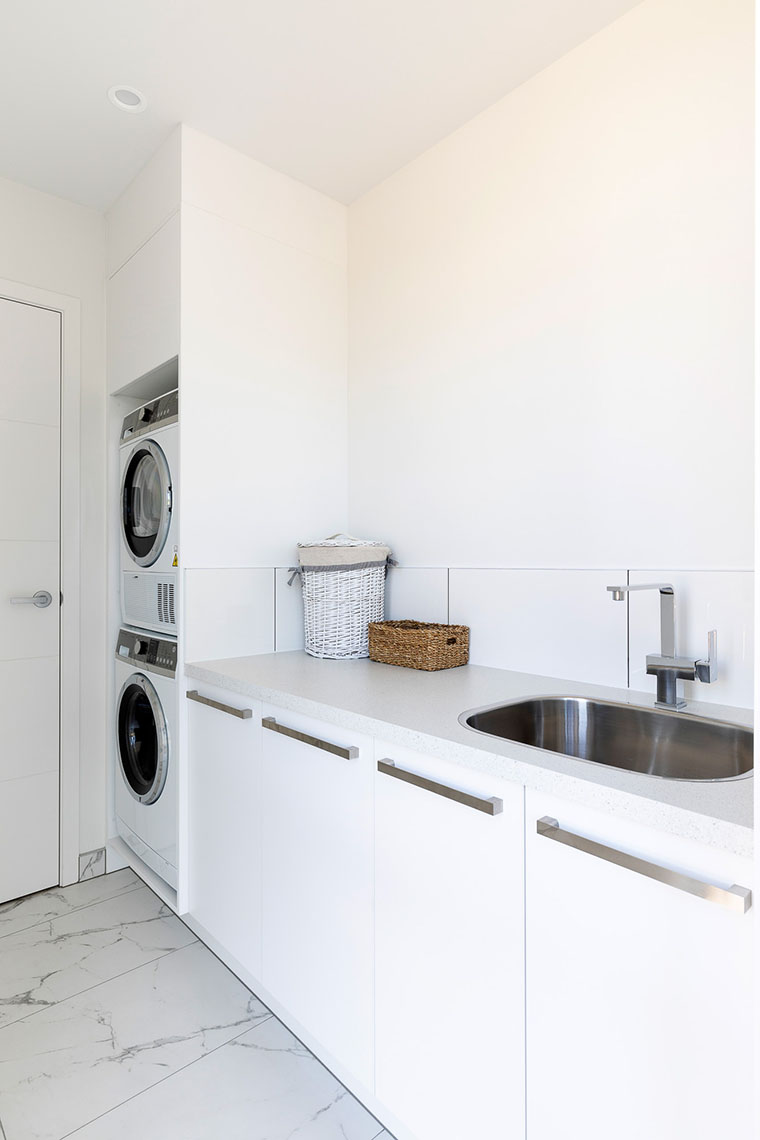 Large countertop in laundry