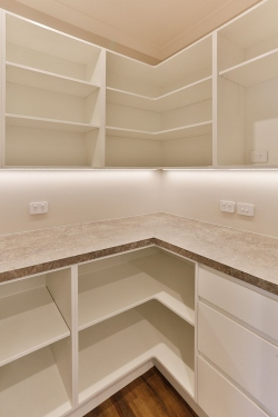 White scullery