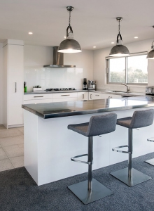 U shaped kitchen with large scullery
