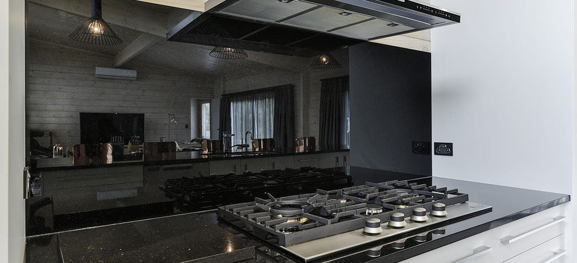 black splashback gas stove