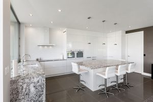 white kitchen granite black and white