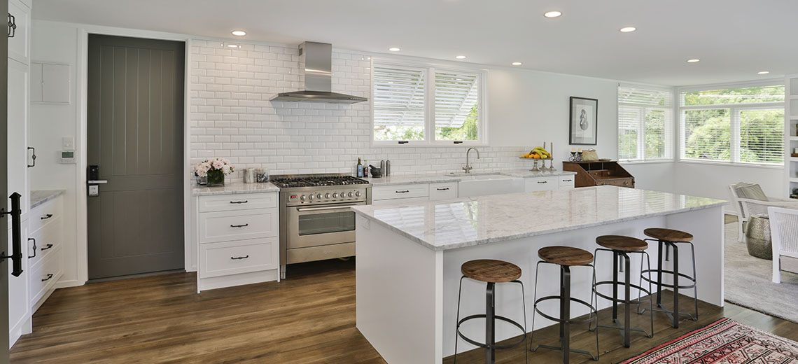 white country gallery kitchen